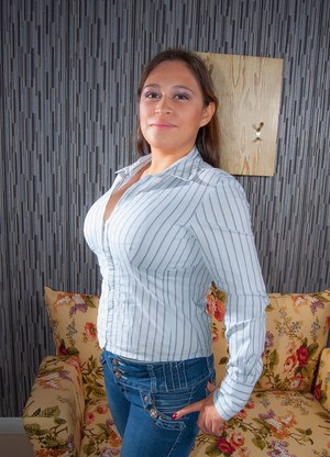 Huge Boobs In Jeans Pics
