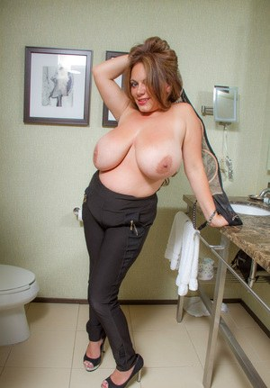 big-droopy-boobs-naked-punkrock-fuck-movies-thumbs-gallery
